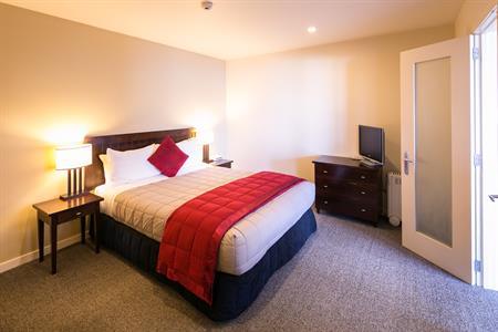 1 BR Suite Bedroom Villa del Lago