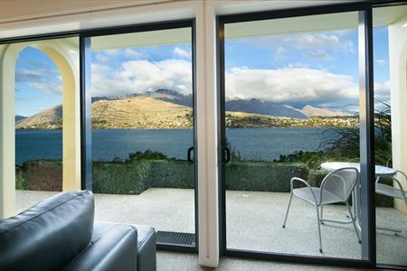 1 BR Suite patio view Villa del Lago