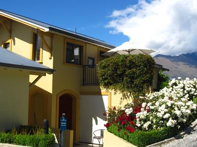 Summer Rose Garden Villa del Lago