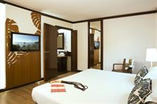 Le Tahiti by Pearl Resorts - Ocean View Suite - Bedroom Le Tahiti by Pearl Resorts