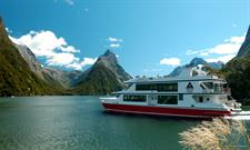 Crusing on Milford Sound, Fiordland
