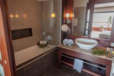 Le Tahiti by Pearl Resorts - Ocean Deluxe View Room - Bathroom Le Tahiti by Pearl Resorts