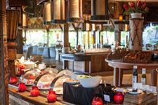 c - SRBBR - Te Pahu Restaurant (breakfast buffet) St. Regis Bora Bora Resort