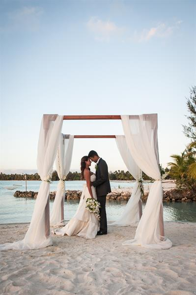 St regis bora bora resort bora bora hotel bora bora accommodation g st regis resort bora bora wedding ceremony 3 st regis bora bora junglespirit Choice Image
