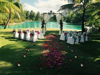 g - St Regis Resort Bora Bora - wedding ceremony s