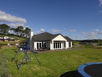 Bartrum view to family davista architecture LTD