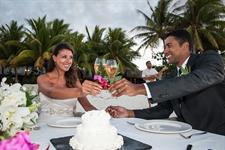 g - St Regis Resort Bora Bora - wedding romantic d