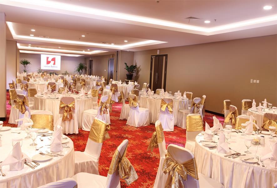 Gallery swiss belinn malang meeting room swiss belinn malang junglespirit Images