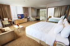 Suite Room Swiss-Belhotel Mangga Besar Jakarta