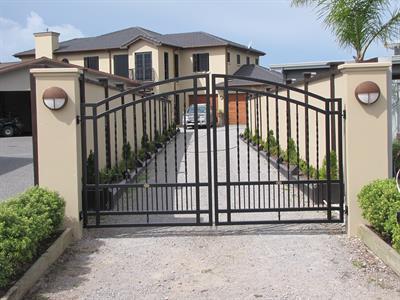 Driveway gates 311 Iron Design