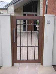 Custom gate 293