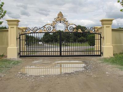 Driveway Custom Gates B Iron Design