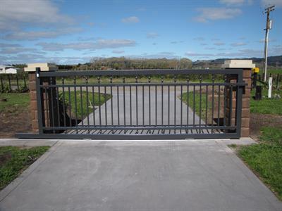 Driveway sliding gate 397 Iron Design