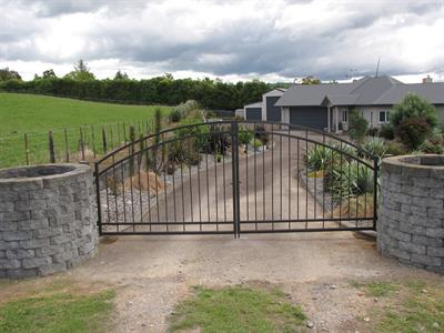 Driveway gates 300 Iron Design