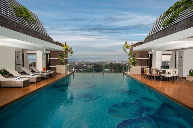 Gallery swiss belhotel yogyakarta for Jogja plaza hotel swimming pool