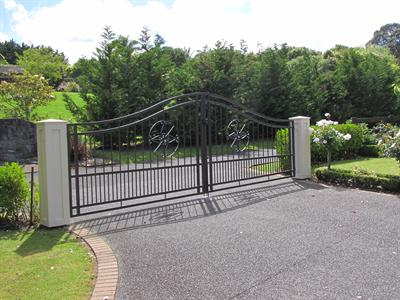 driveway gates 5m 387 Iron Design