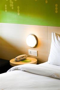 Hotel Room Zest Legian
