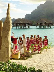 g - Four Seasons Resort Bora Bora - Wedding on the