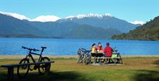 West Coast Wilderness Trail, cycling, Lake Kaniere, Hokitika. Photo by Chris Steele
