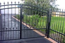 driveway gate 302 Iron Design