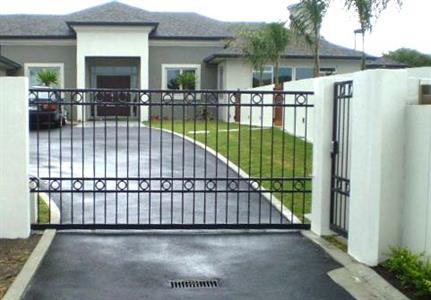 Driveway gate 304 Iron Design