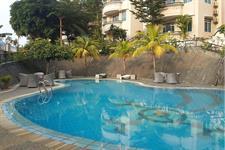 Swimming Pool Swiss-Belinn Batam
