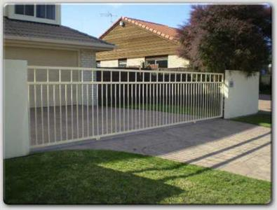 Driveway gate 309 Iron Design