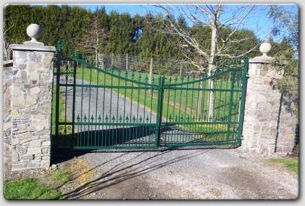 Driveway gate 312 Iron Design