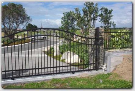 Driveway gate 316 Iron Design