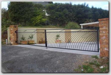 Driveway gate 317 Iron Design