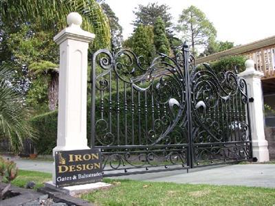 Driveway gate 320 Iron Design