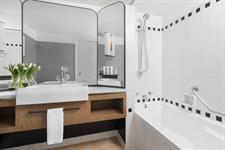Cordis, Auckland Deluxe-Room Bathroom Cordis, Auckland