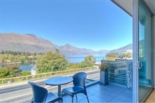 Lake View Swiss-SuperSuite Two Bedroom Apartment