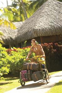 a - Royal Huahine - friendly staff