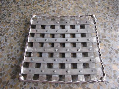 Basket: fruit platter