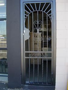 Security door602