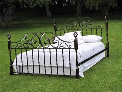 Bed Iron Design