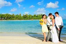 Unique Wedding Idea's Muri Beach Club Hotel