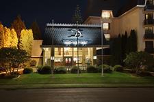 DH Rotorua - Exterior Evening Distinction Rotorua Hotel & Conference Centre