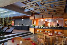 Open Kitchen Express Cafe Swiss-Belexpress Kuta, Legian