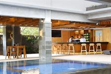 Pool Bar Swiss-Belexpress Kuta, Legian