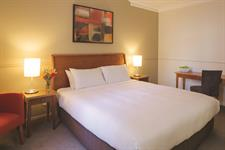 DH Palmerston North - Heritage Guest Room Queen Distinction Palmerston North Hotel & Conference Centre