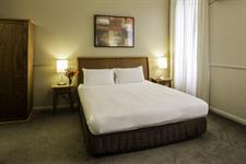 DH Palmerston North - Heritage Guest Room Queen 2 Distinction Palmerston North Hotel & Conference Centre