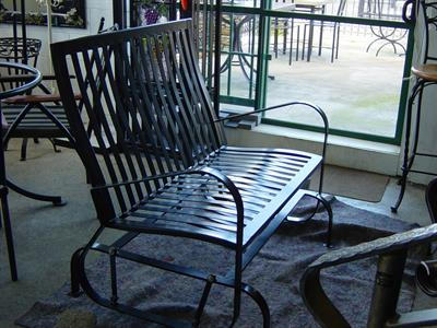 Seating: Garden Glider