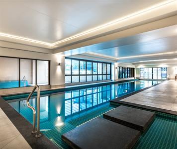 AVANI Metropolis Pool Minor Hotels
