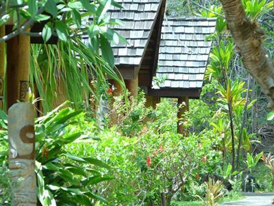 1a - Keikahanui Nuka Hiva Pearl Lodge - Garden Vie Keikahanui Nuka Hiva Pearl Lodge