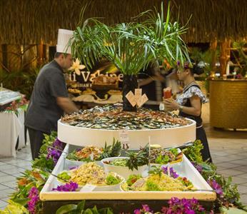 c - Hilton Moorea Lagoon Resort & Spa - Gala Dinne Hilton Moorea Lagoon Resort & Spa