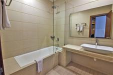 Deluxe Bathroom Swiss-Belinn Batam