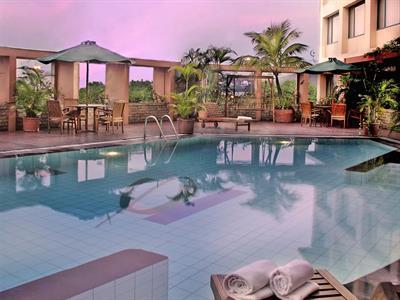 Swimming Pool Hotel Ciputra Semarang