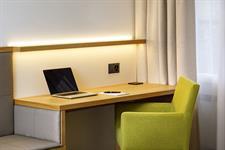 Desk Swiss-Belhotel du Parc